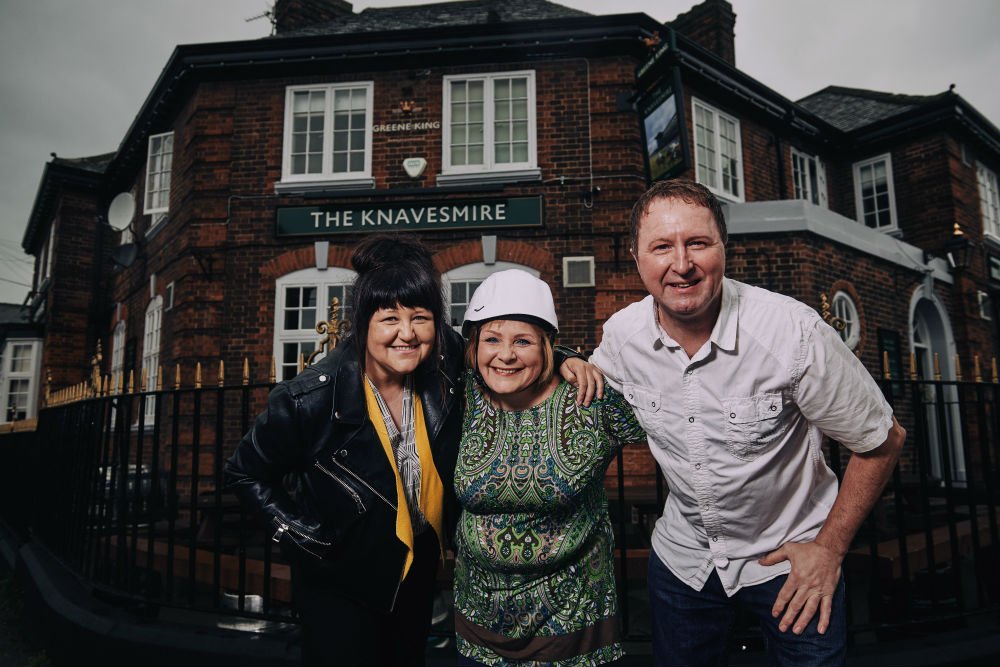 Knavesmire Pub fundraiser in advance of skydive for Alzheimers Society